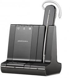 De batterij van de headset moet minimaal 20 minuten opladen vooraleer je deze mag gebruiken