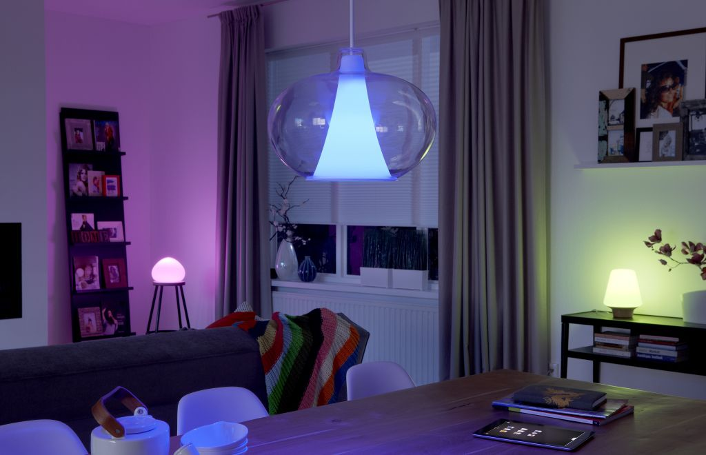 Stroomverbruik Hue Lampen : Philips hue personal wireless lighting led verlichting getest diskidee