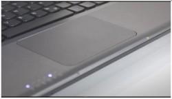 Het grote touchpad moet het aanvoelen van Windows 8 in de hand werken