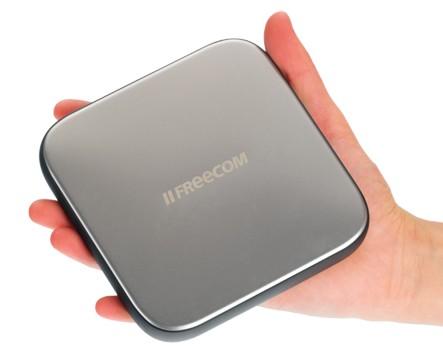 Freecom Mobile Drive Sq hand