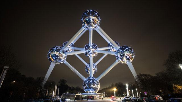 Atomium © Luke Shepard