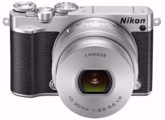 Nikon 1 J5 met 1 Nikkor 10-30mm objectief